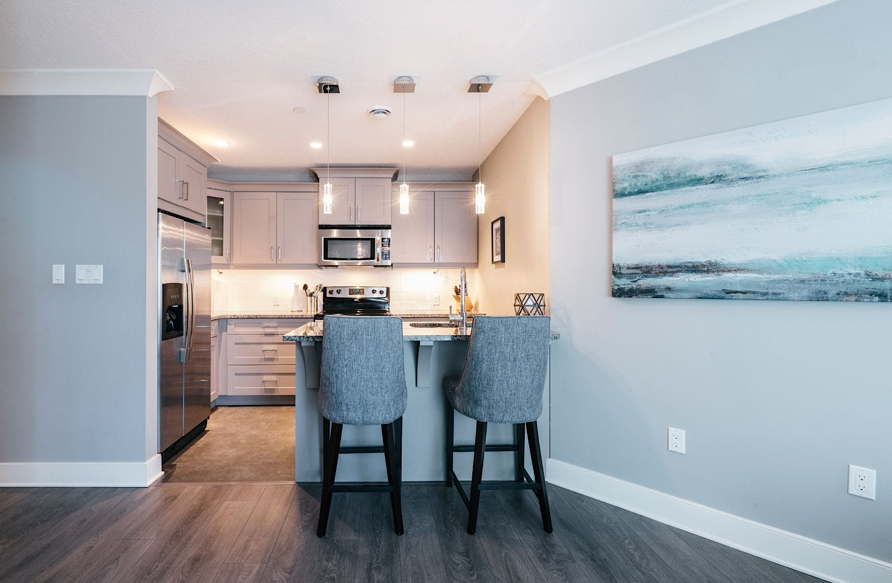 Interior photographs to help sell condo in London Ontario