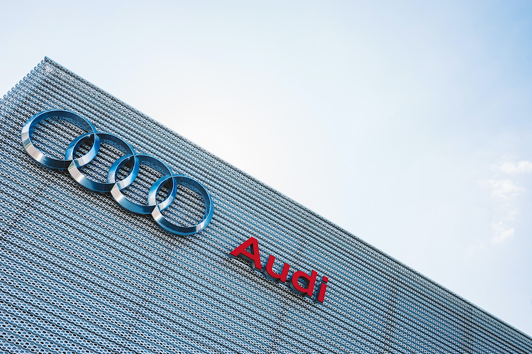Achritectural images of Audi London by Scott Webb