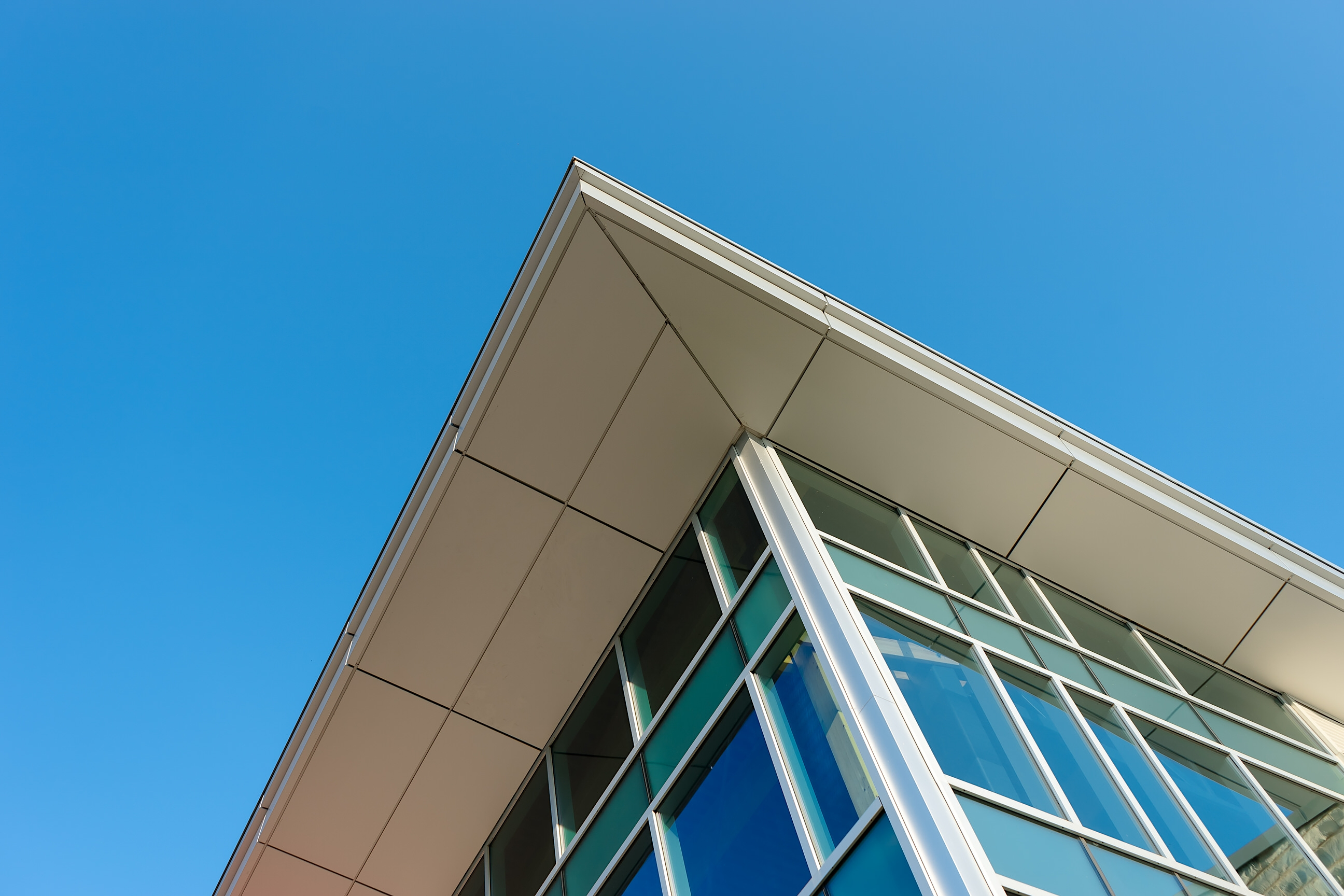 Looking up at the architecture of forest city community church by a+ LiNK Architecture Inc.