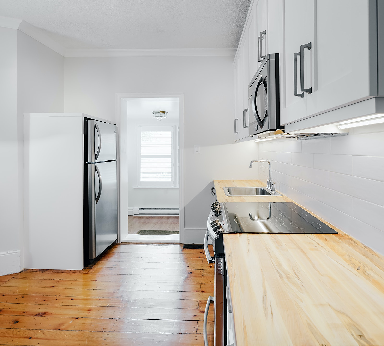 Kitchen image - real estate photography by london ontario photographer scott webb
